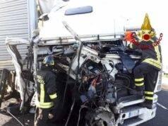 Incidente A1, strage in autostrada: morte 4 persone, due son