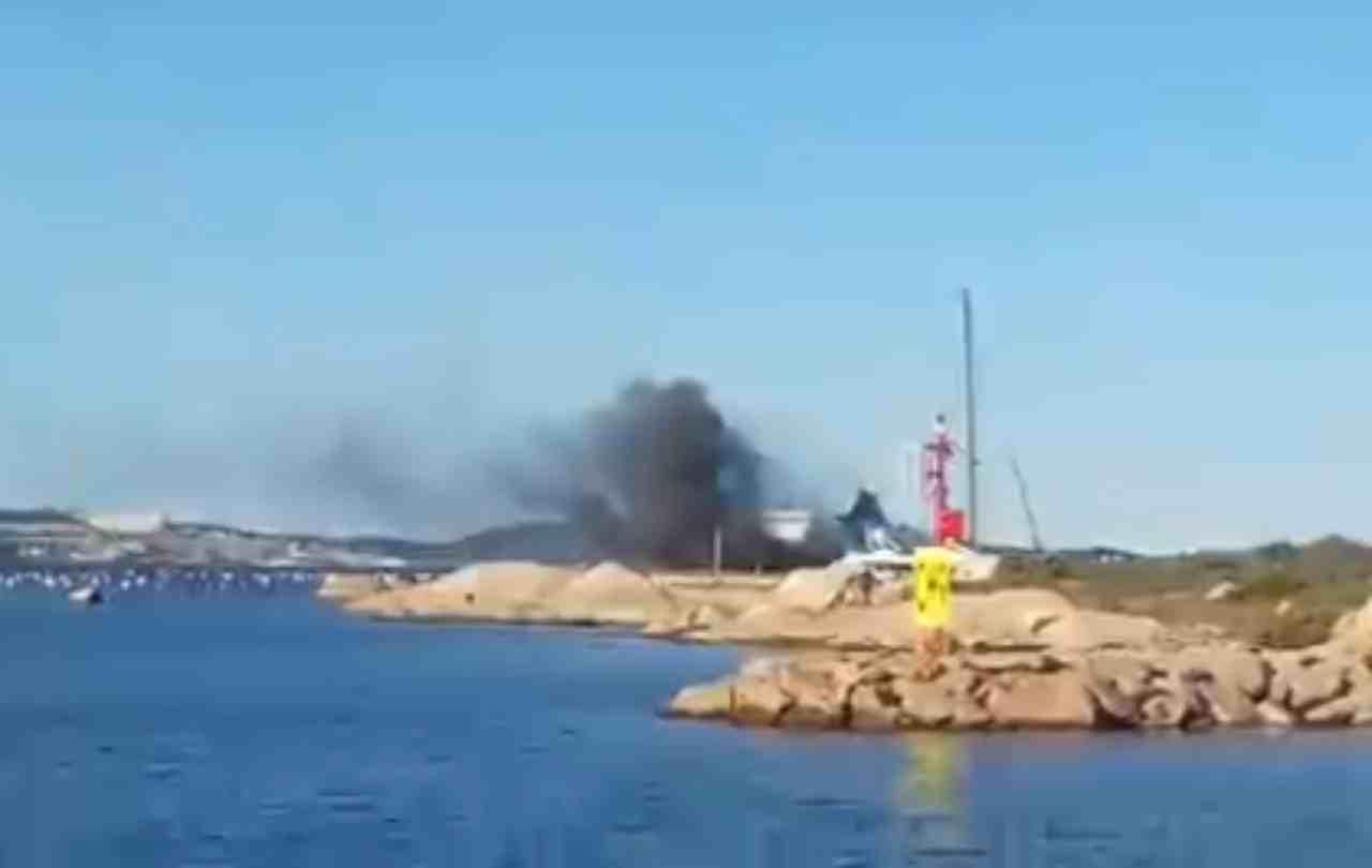incendio traghetto