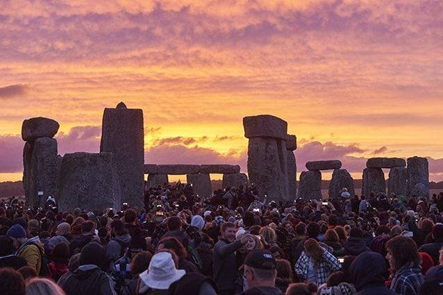 solstizio d'estate a Stonehenge 2020 in streaming