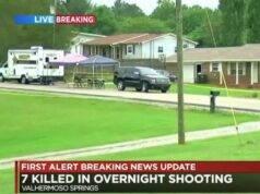 Strage in casa, sette persone uccise: assalitore in fuga