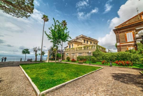 Cosa vedere a Sorrento: la Villa Comunale