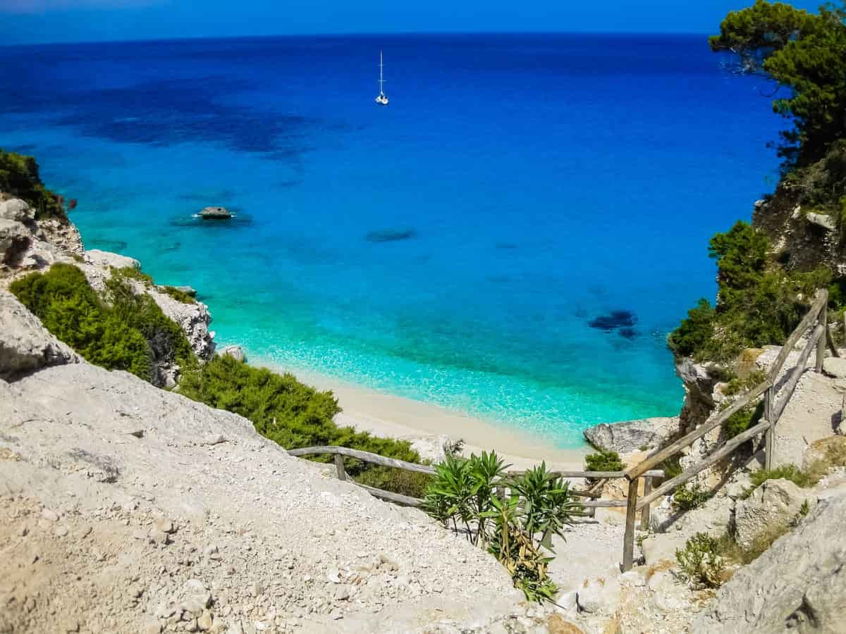 Sardegna Cartina Spiagge.Le 15 Spiagge Piu Belle Della Sardegna Mappa Cartina E Info