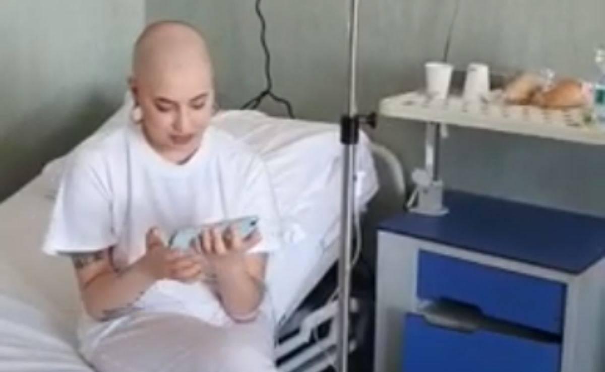 Amici, la concorrente ha la leucemia: fan distrutti