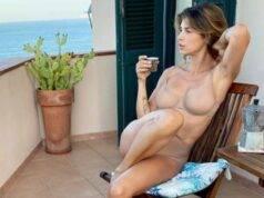Elisabetta Canalis fa impazzire i fan: l'intimo è trasparent