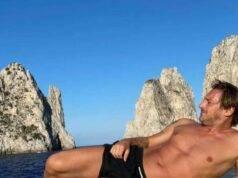 """Francesco Totti, il dettaglio nella foto in costume: """"Che si"""
