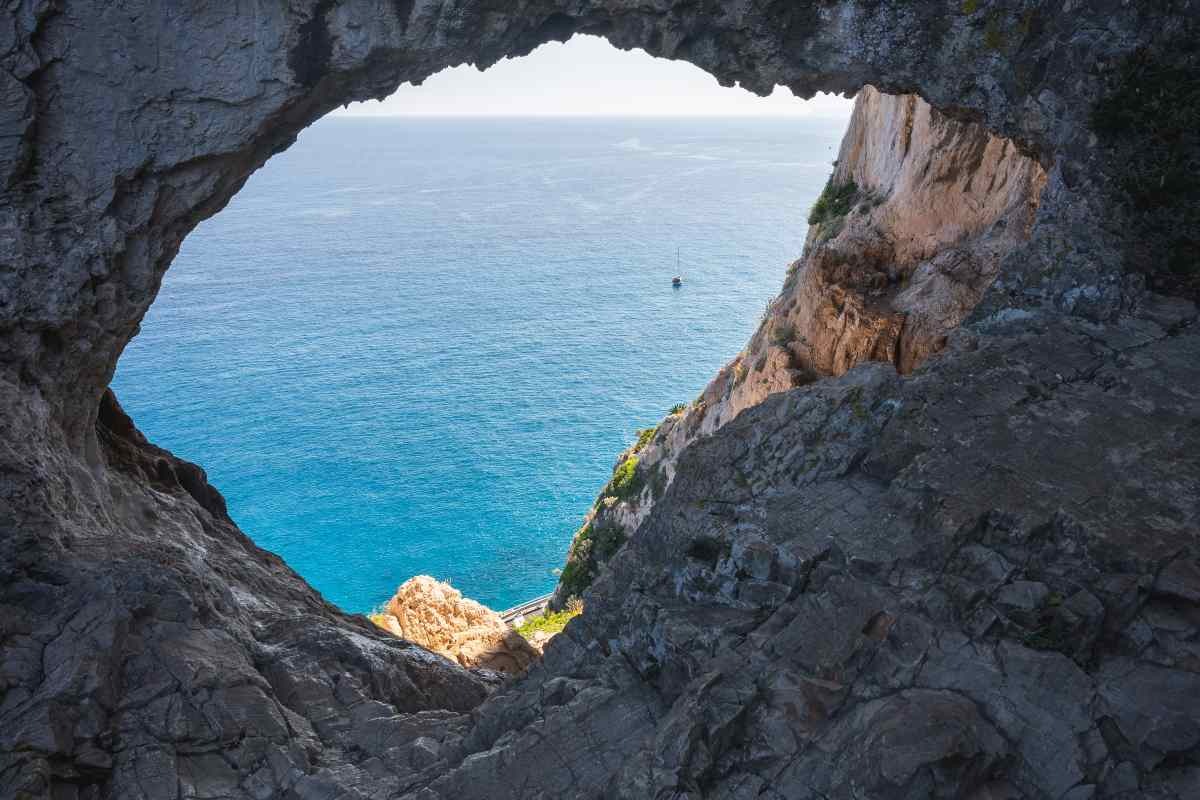 Come arrivare alla Grotta dei Falsari