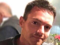 Morto dopo la caduta in un tombino scoperto: in agonia per 15 ore