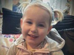 Bimba di 2 anni brutalmente aggredita in casa, muore in ospedale