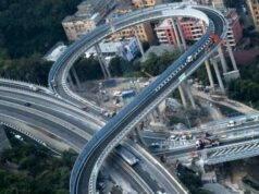 Ponte Genova, prime code e rallentamenti… a causa dei selfie