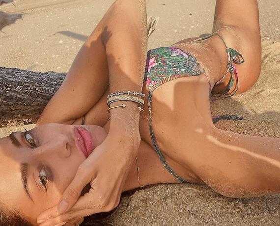 Belen Rodriguez spiaggia Formentera