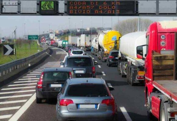 traffico-ferragosto-bollino-rosso-autostrade-italia (2)