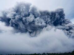Indonesia: le spettacolari e spaventose immagini dell'eruzione del vulcano Sinabung