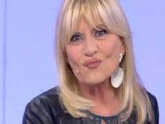 """Uomini e Donne: """"no"""" di Maria al bacio tra Gemma e Paolo, ecco perché"""