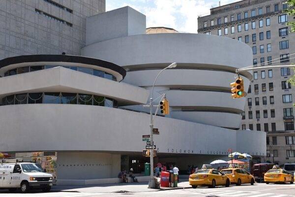 Guggenheim, l'opera di Cattelan