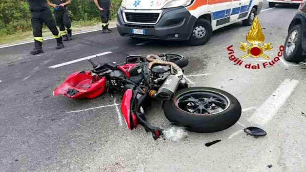 incidente stradale moto macerata