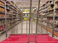 "Coronavirus, a Napoli supermercati presi d'assalto: ""Paura del lockdown"""