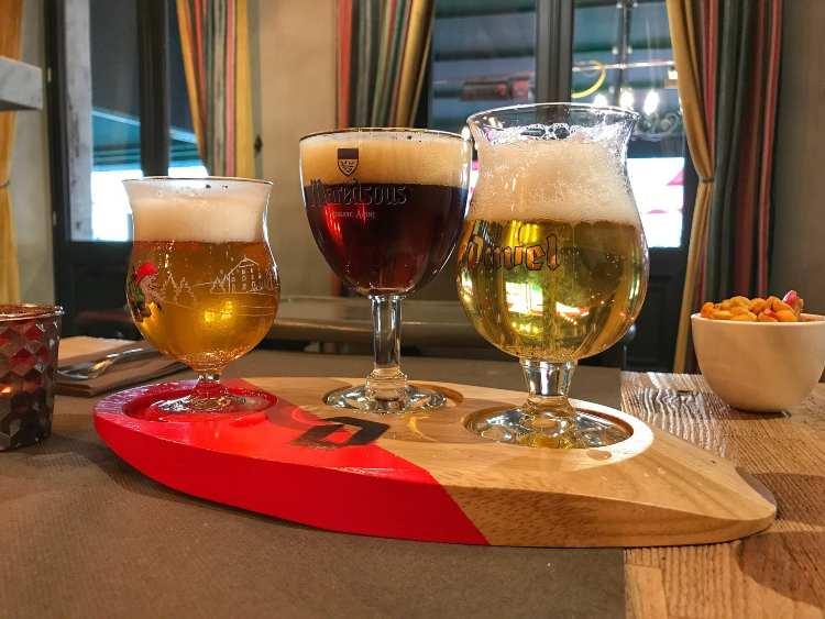 irre belga su tagliere Duval birrifici pub Bruxelles