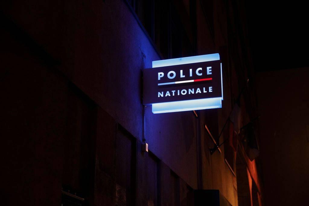 Francia, prof decapitato in strada: