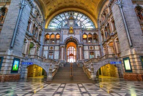 Stazione Centrale di Anversa Belgio 7 giorni
