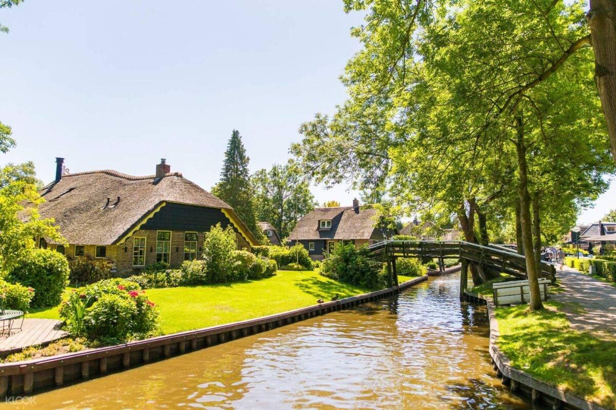 Cosa vedere a Giethoorn: il paese più tranquillo del mondo che non ha strade né auto