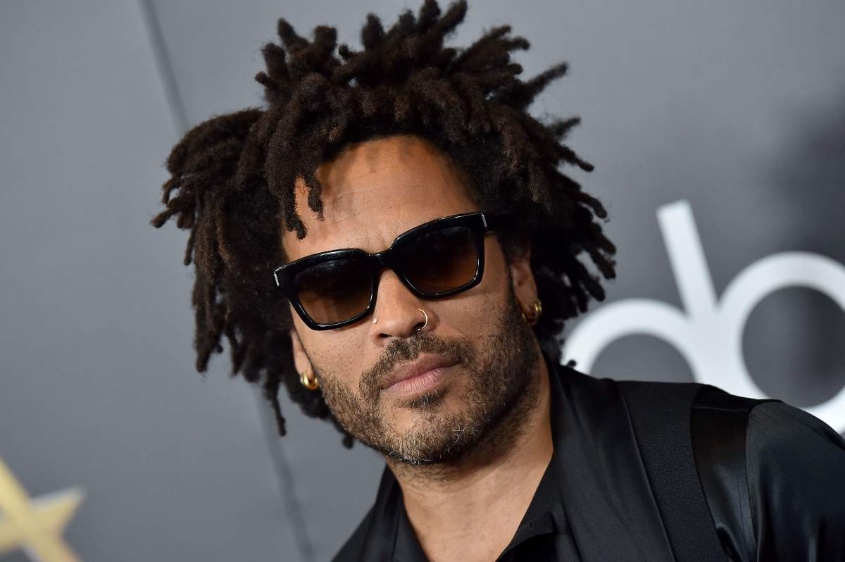 Lenny Kravitz sexy su Men's Health: a 56 anni è in super forma