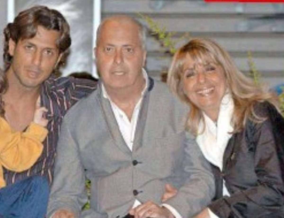Fabrizio Corona figlio di un grande giornalista |  chi era Vittorio Corona