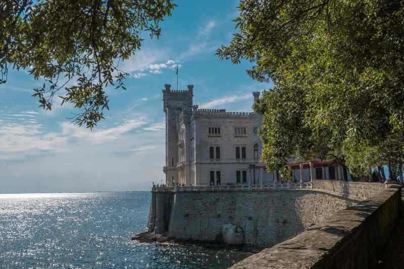 Castello di Miramare, Friuli Venezia Giulia castelli belli Italia Natale