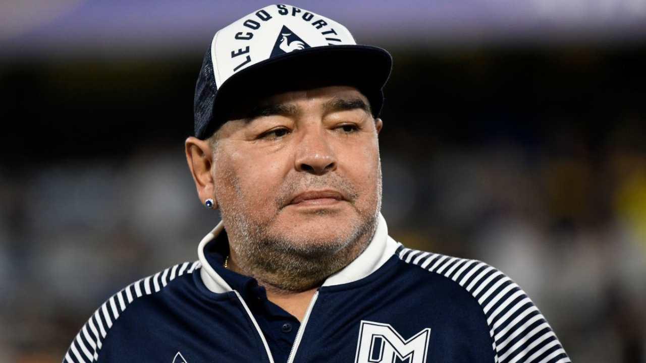 """Maradona, l'amico manager: """"Si è lasciato morire, adesso è in pace"""""""