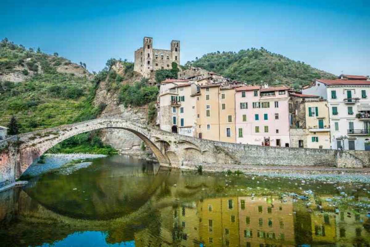 Dolceacqua borgo Liguria Monet