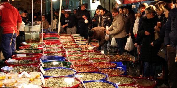 Il mercato di Porta Nolana a Natale
