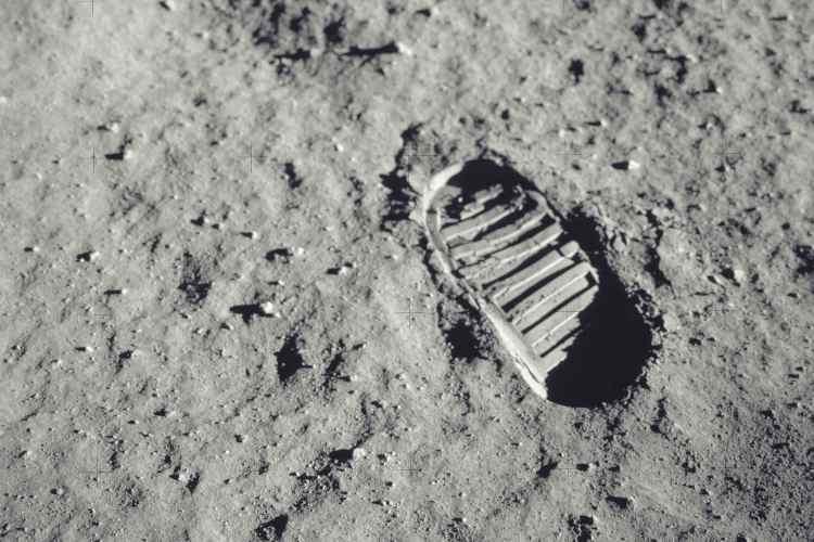 """Step on the Moon"" - Nasa musei bambini online gratis"