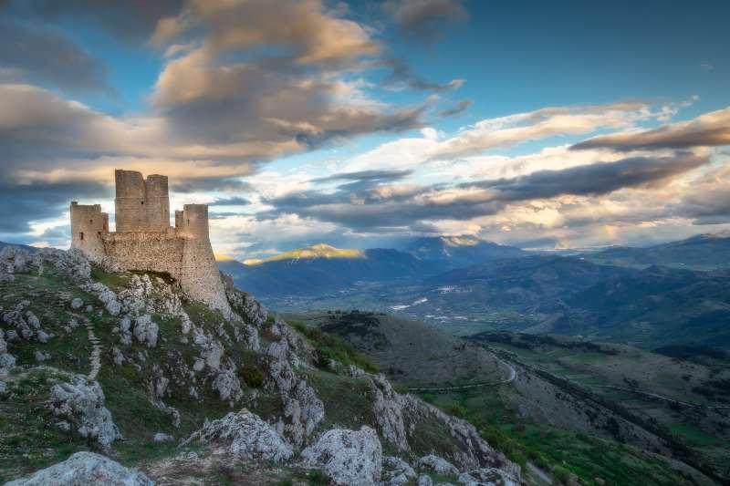 Rocca Calascio, Abruzzo castelli belli Italia Natale