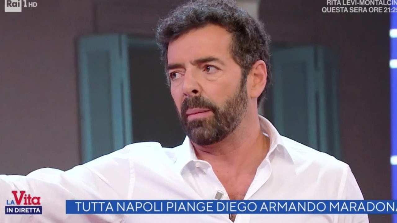 Matano infuriato interrompe il collegamento da Napoli