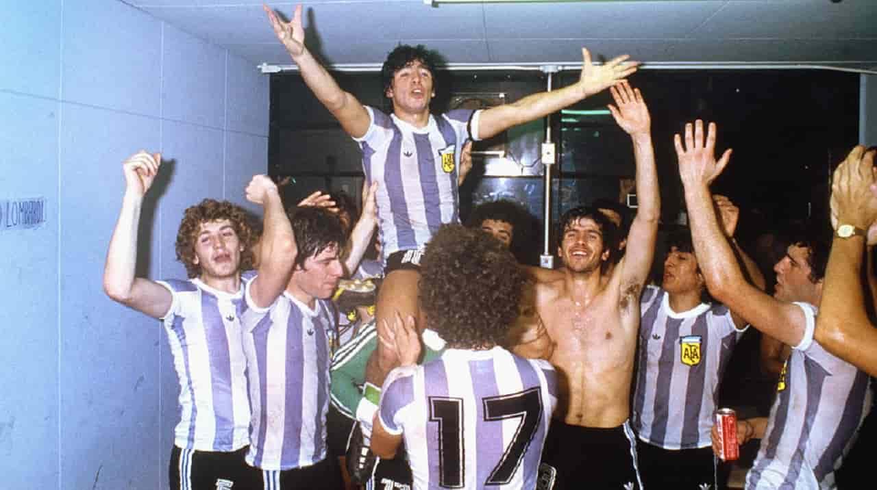 Juve e Toro ricordano Maradona: i messaggi di cordoglio