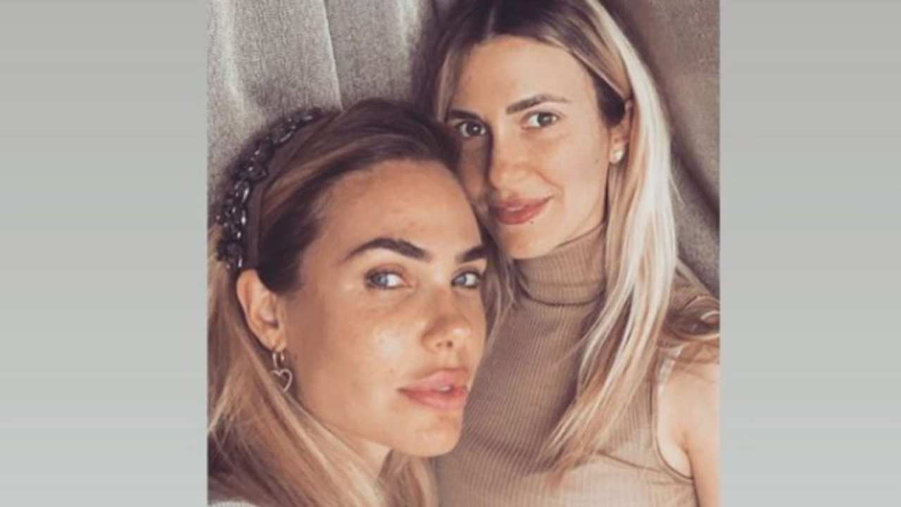 Ilary Blasi, è incinta la sorella: la showgirl diventa zia