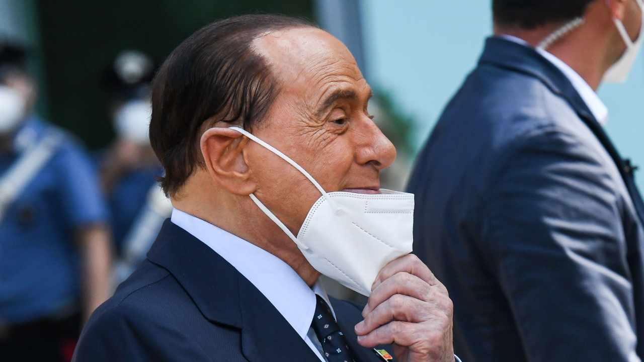 Come sta Silvio Berlusconi, grande preoccupazione per le sue condizioni