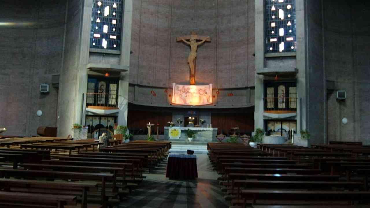chiesa statua san Francesco