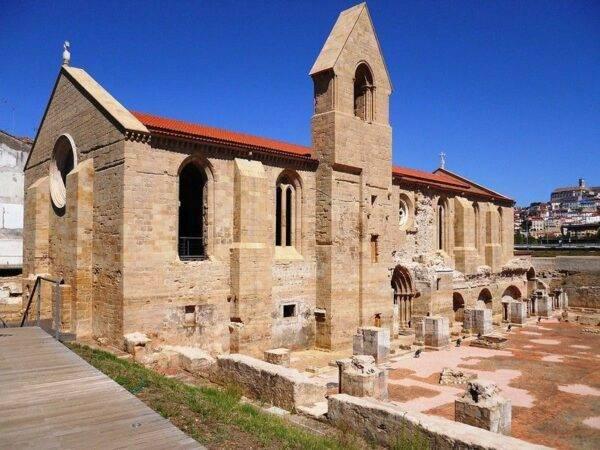 Il monastero di Santa Clara tra le cose da fare a Coimbra
