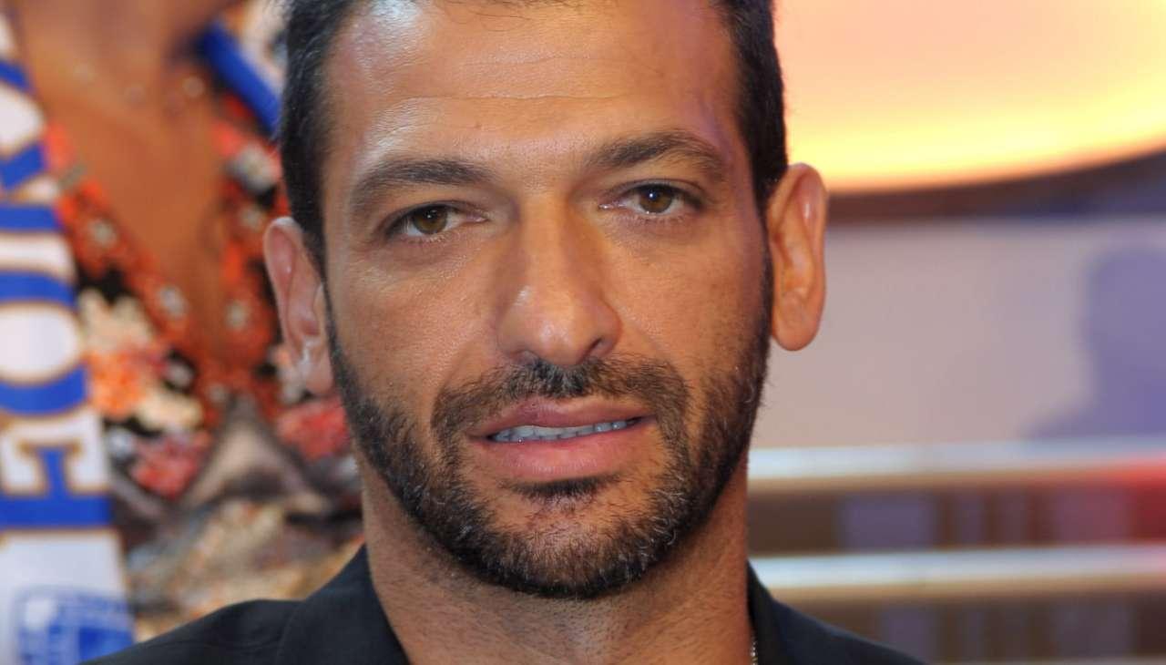 Fedez confermato in gara al Festival di Sanremo. Non sarà solo
