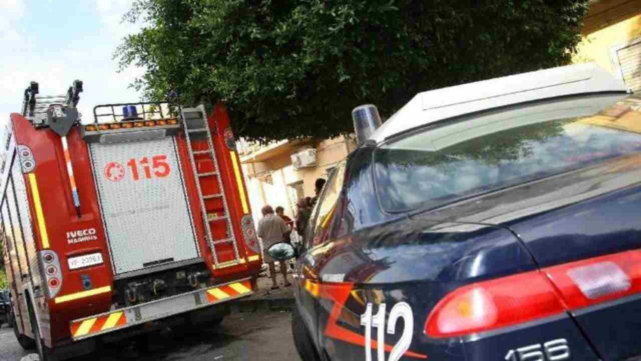 uomo morto carabinieri vigili fuoco