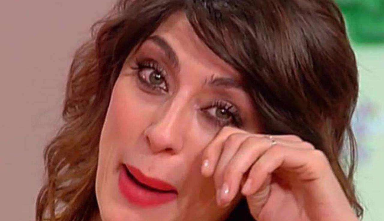 """Elisa Isoardi, il passato che la perseguita: """"Si sono riaperte le ferite"""""""