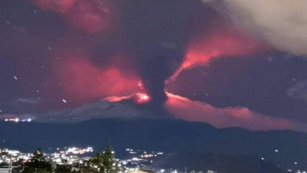 eruzione Etna immagini