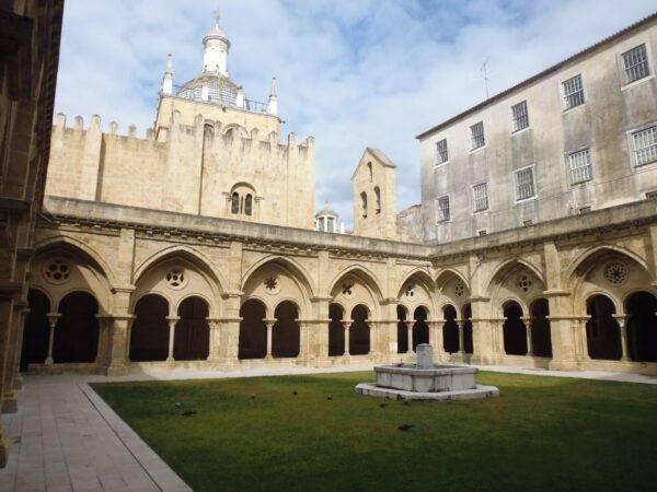 vecchia cattedrale coimbra