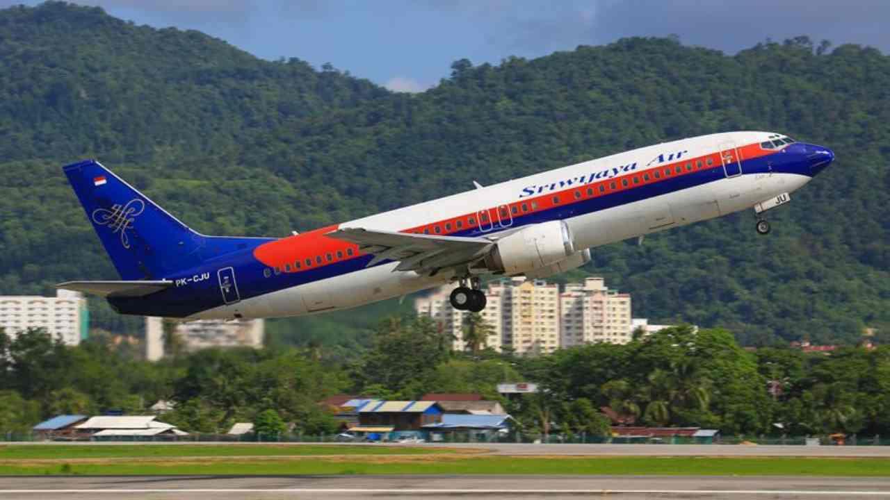 Indonesia, Boeing precipitato individuata la scatola nera