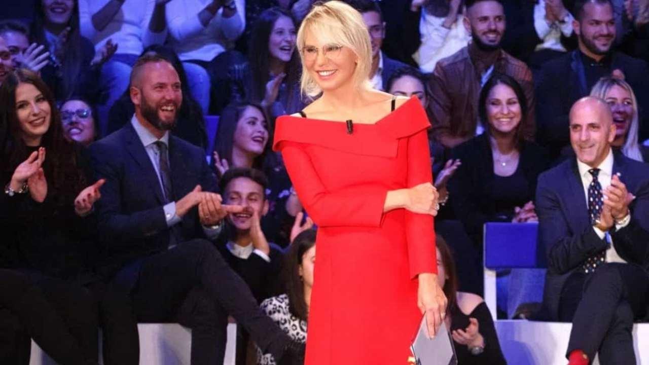 Stasera in tv, C'è Posta per te: anticipazioni e ospiti di oggi 16 gennaio
