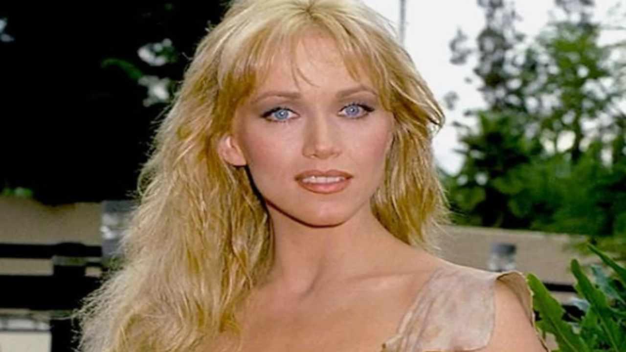 Addio a Tanya Roberts, la Bond girl degli anni Ottanta