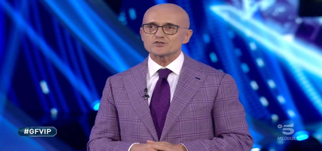 GF Vip, nuovo scandalo: cos'è successo tra Signorini e il fratello di Pretelli