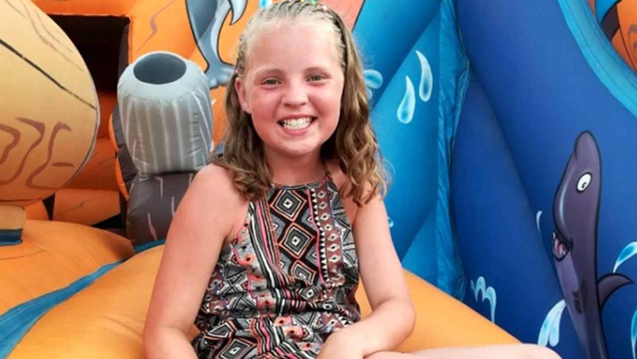 Morta la piccola Amelia, uccisa a 11 anni dalla ruota di un SUV