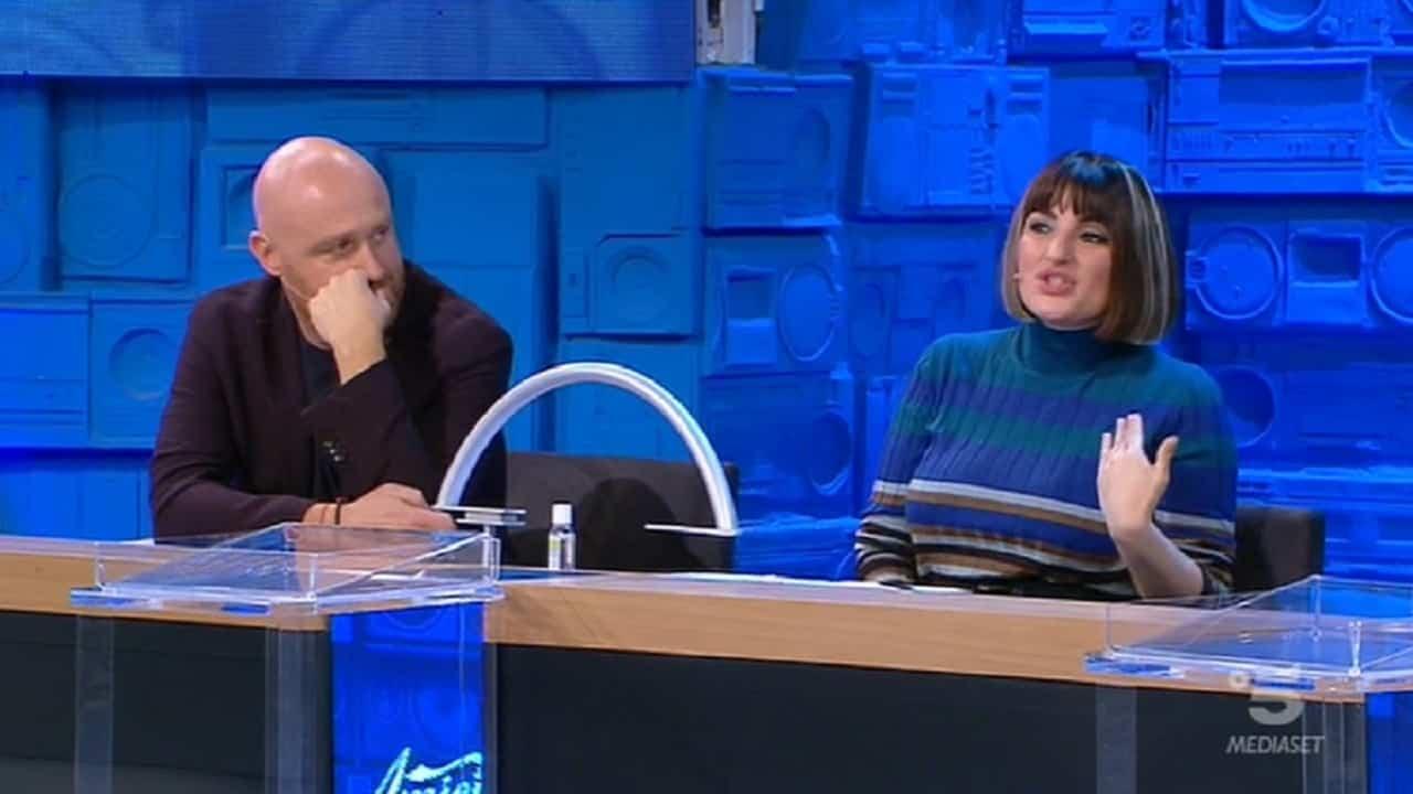 """Amici 20, Arisa furiosa con Rudy Zerbi: """"Rompe le pa**e"""""""