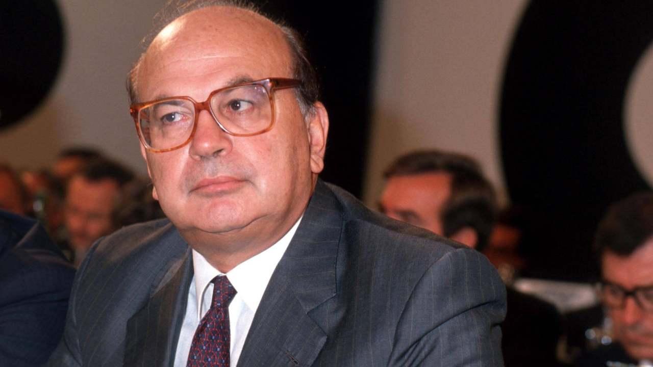 Moriva 21 anni fa Bettino Craxi: la sua parabola e la fine in esilio